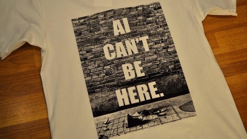 由吳吞設計的 T-恤,於corlectionstore.com 有售。